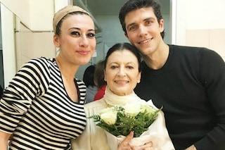 Virginia Raffaele con Carla Fracci e Roberto Bolle: la foto che fa il giro del web