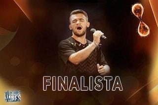 Edson D'Alessandro, cantante abbandonato e poi adottato, già in finale a 'Tu si que vales'