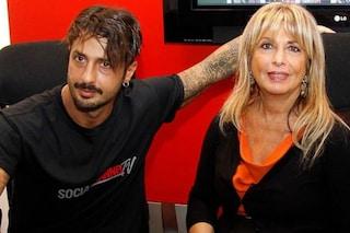 """La madre di Fabrizio Corona: """"C'è la possibilità che mio figlio muoia"""""""