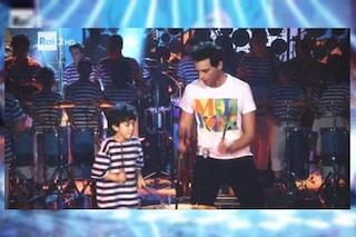 """Jovanotti si emoziona guardando Mika: """"Invito la Banda Rulli Frulli a suonare con me"""""""