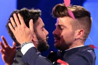 """Uomini e Donne, Claudio Sona a Mario Serpa: """"La mia scelta sei tu"""" e Tina piange"""