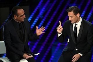 La gaffe di Totti a Sanremo 2017, è convinto che The Voice l'abbia fatto Ilary Blasi