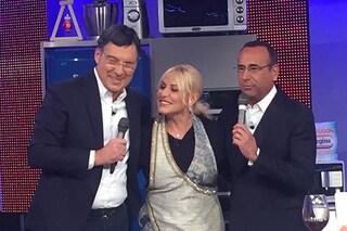 """Fabrizio Frizzi torna a sorpresa con Carlo Conti a """"La prova del cuoco"""", la Clerici in lacrime"""