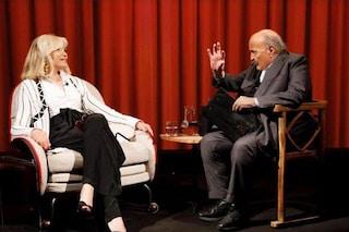 """L'ambiguità di Amanda Lear: """"A 71 anni piaccio ancora ai giovani"""""""