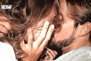 Temptation Island 2018, Martina Sebastiani bacia Andrea Dal Corso, poi sbaglia il nome del fidanzato