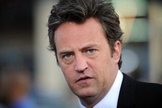Matthew Perry in ospedale, il Chandler di Friends operato per una perforazione gastrointestinale