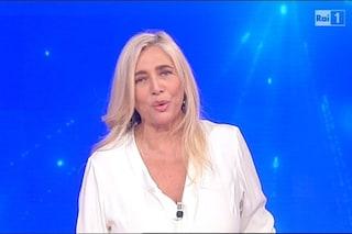 """Mara Venier pronta a Domenica In: """"Paura? Mi c**o sotto, ma spero di fare una trasmissione decorosa"""""""