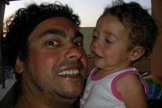 Aurora, figlia di Luca Guadagnini, è morta a 20 mesi per un tumore sulla ghiandola surrenale