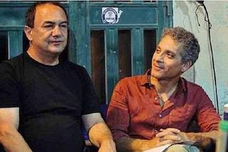 """Beppe Fiorello invita Mimmo Lucano sul palco: """"Ti hanno fatto fuori come il peggiore dei mafiosi"""""""