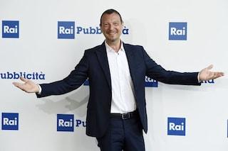 """Slitta il ritorno di Alberto Angela al sabato sera, Rai1 punta su """"Ora o mai più"""" con Amadeus"""