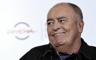 Morte di Bernardo Bertolucci: cambiano i palinsesti Rai, La7 e Mediaset