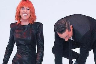 Nadia Toffa cambia ancora look: parrucca rossa per la Iena, che scrive a Elena Fanchini