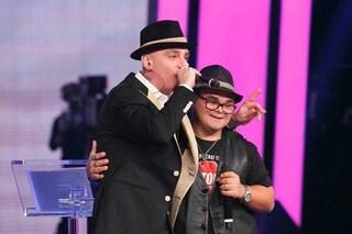 J-Ax canta con Marco Baruffaldi, il rapper con sindrome di Down vittima di bullismo