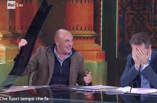 Paolo Brosio ritrova Fabio Fazio dopo 18 anni e distrugge la scenografia di Che Tempo Che Fa
