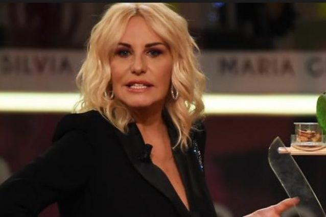 Carlotta Mantovan 'prende per il c*lo' Antonella Clerici: ecco cosa è successo