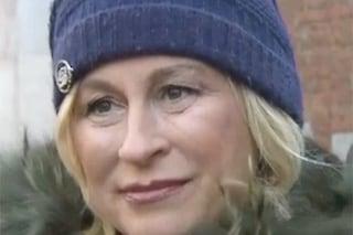 """Funerali Sandro Mayer, le lacrime della figlia Isabella incinta: """"Voleva conoscere sua nipote"""""""
