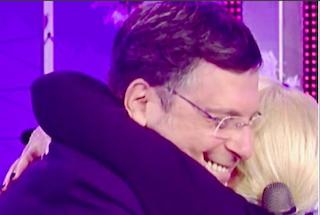 Antonella Clerici a un anno dalla sorpresa di Fabrizio Frizzi, che tornò in tv dopo il suo malore