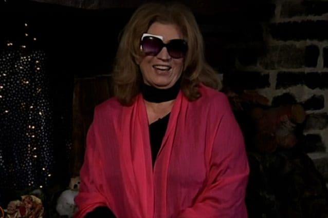 Iva Zanicchi operata d'urgenza ad un occhio