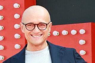 Alfonso Signorini ancora in tv, dopo il GF Vip è professore ad Amici 18