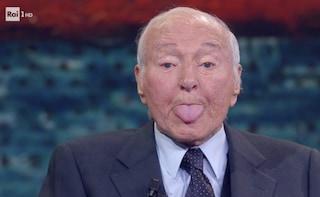"""Piero Angela e i suoi 90 anni: """"Voglio arrivare a 220, ma in motocicletta e con una bionda in sella"""""""
