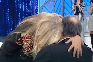 """Giampiero Galeazzi: """"Non ho il Parkinson, soffro di diabete"""". Mara Venier piange e lascia lo studio"""