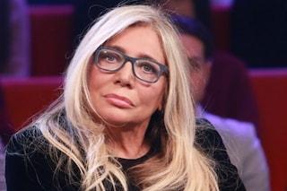 """Mara Venier in diretta a Domenica In con il colpo della strega: """"Qualcuno me l'ha tirata"""""""