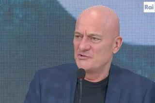 """Sanremo 2019, Claudio Bisio punzecchia gli autori: """"Meno cose scritte e meglio andiamo"""""""