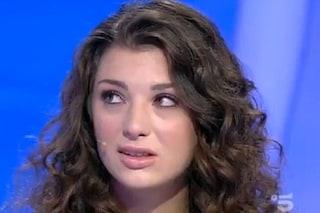 """C'è posta per te, critiche a Eleonora che non perdona il padre: """"Vuole solo i soldi"""""""