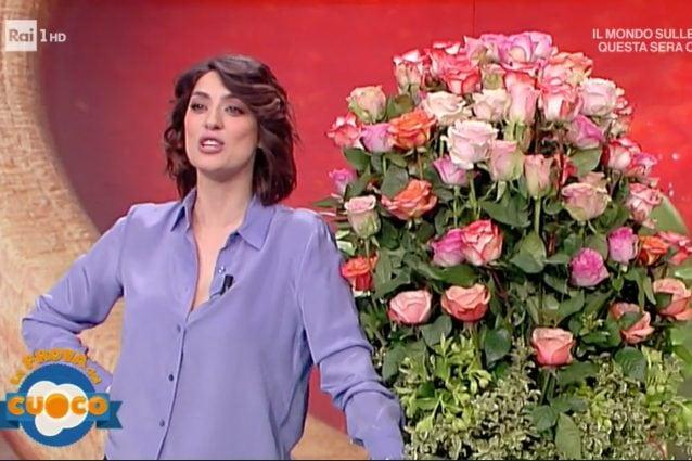 Elisa Isoardi, tra rose e un nuovo amore: