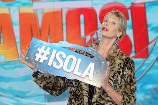 Disastro 'Isola dei famosi 2019': crollano gli ascolti del reality, trionfa 'Che Dio ci aiuti 5'
