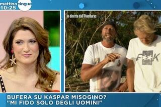 """""""Non mi fido delle donne"""": Kaspar Capparoni accusato di sessismo, la replica della moglie"""