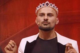 """A Ciao Darwin 8 Filip Simaz: l'uomo con la coroncina del """"Gay Pride"""" è coreografo e ballerino"""