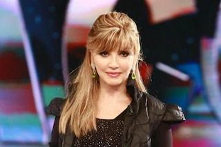 Milly Carlucci apre Ballando con le Stelle salutando Sandro Mayer e Bibi Ballandi