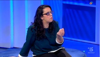 """Michele alla madre malata di sclerosi multipla: """"Chi sta male non ride e scherza con le amiche"""""""