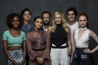 """L'addio del cast di 'Riverdale' a Luke Perry: """"Siamo straziati, è morta una leggenda"""""""