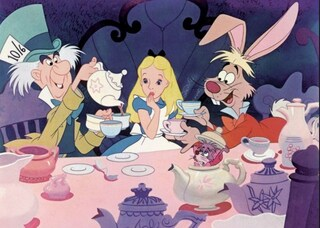"""Rai1 domina gli ascolti di Pasqua, meno di 2 milioni per """"Alice nel paese delle meraviglie"""""""