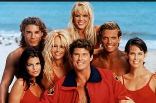 Baywatch compie 30 anni, il telefilm sui bagnini in onda per la prima volta nel 1989
