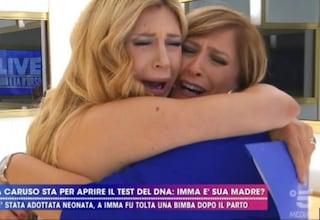 """Paola Caruso e il test del Dna in Tv: """"Quando sarà il momento dirò chi è mio padre"""""""