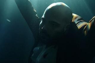 """Ciro Di Marzio è vivo, nel trailer de """"L'Immortale"""" muove le braccia: il tormentone è ricominciato"""