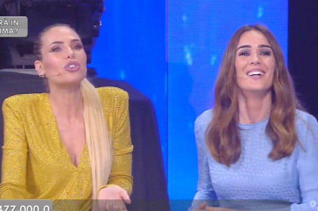 """""""Bucio de ****"""", Ilary Blasi si lascia andare ad Amici e Silvia Toffanin non riesce a fermarla"""