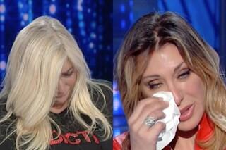 """'Domenica In' Mara Venier e Sabrina Salerno in lacrime, la cantante: """"Sto imparando a essere felice"""""""