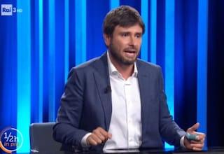 """Alessandro Di Battista in Tv coi vestiti della Rai: """"Non ho fatto in tempo a cambiarmi"""""""