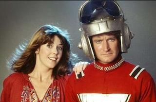 """""""Mork e Mindy"""" arrivava in Italia 40 anni fa, quando gli alieni erano il vero enigma per l'uomo"""