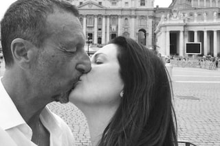 """Amadeus: """"Preparo 'Sanremo 2020' con mia moglie Giovanna Civitillo, vorrei Madonna tra gli ospiti"""""""