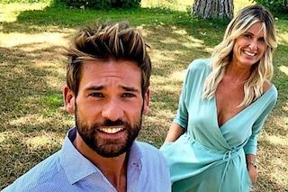 """""""E se fossi incinta?"""": Sabrina Martinengo spiazza chi critica la sua relazione con Nicola Tedde"""