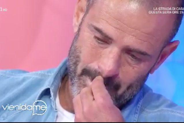 Ascanio Pacelli in lacrime a Vieni da me