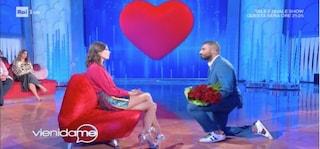 """Giovanni Conversano chiede in tv a Giada Pezzaioli di sposarlo, lei: """"Vedremo dai"""""""