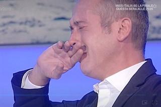 """Io e te, Pierluigi Diaco piange in diretta per il marito Alessio Orsingher: """"Mi ha dato serenità"""""""