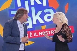 """A 'Tiki Taka' tensione tra Pierluigi Pardo e Wanda Nara: """"Volate le cartelline per il nervosismo"""""""