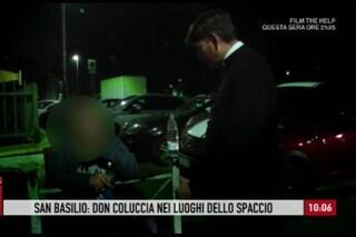 """Don Antonio Coluccia nel quartiere di Valerio Del Grosso e Paolo Pirino: """"Ci hanno accerchiato"""""""